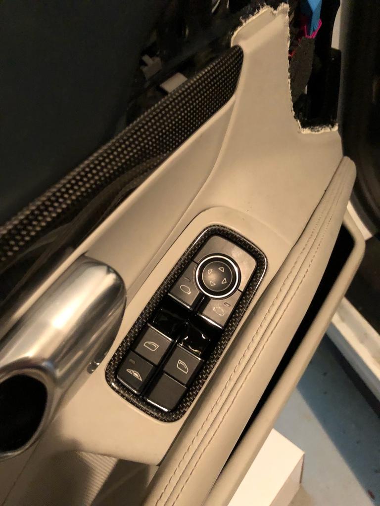 Tuto 991.2: installation commande vitres electriques conducteur par pièce DBCarbon Bc911137