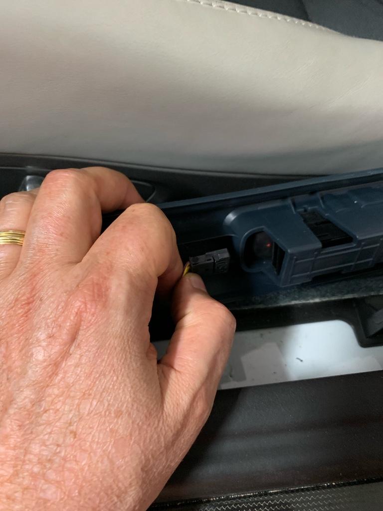 Tuto 991.2: installation des pas de porte par pièces DBCarbon Bc911154