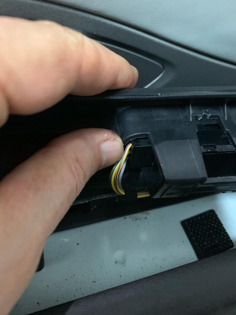 Tuto 991.2: installation des pas de porte par pièces DBCarbon Bc911157