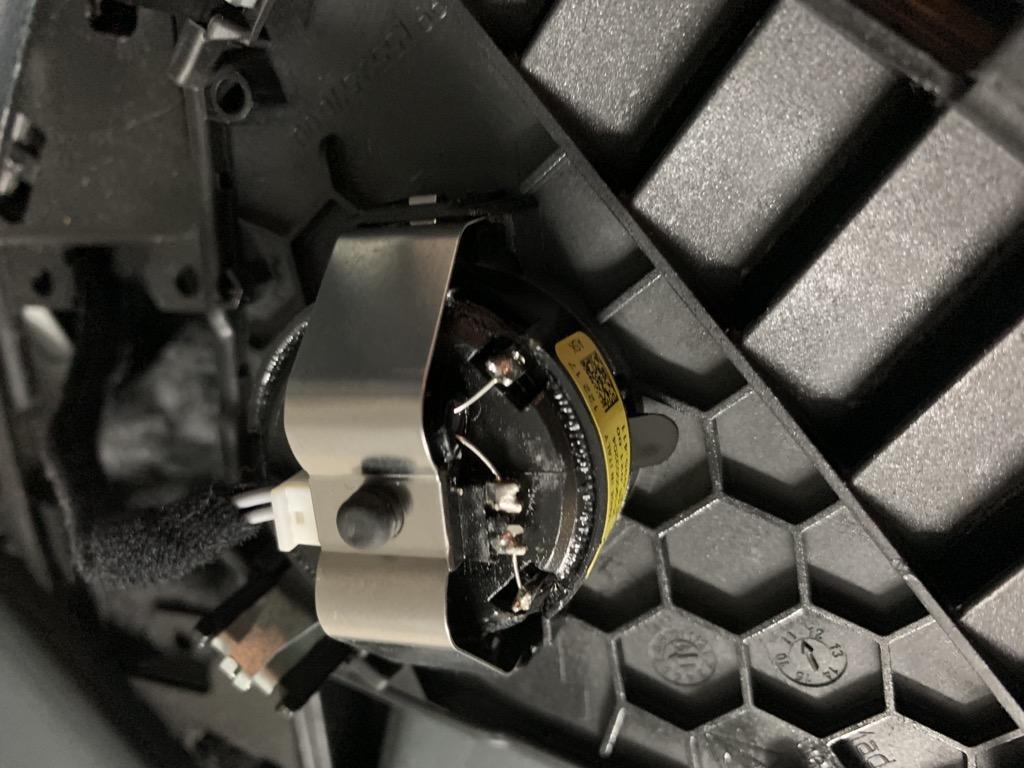 Tuto 991.2: Installation haut parleur(tweeter) dessus tableau de bord pièce DBCarbon C1710110