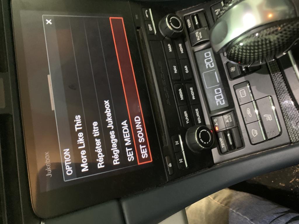 Tuto 991.2: Installation haut parleur(tweeter) dessus tableau de bord pièce DBCarbon C214ea10