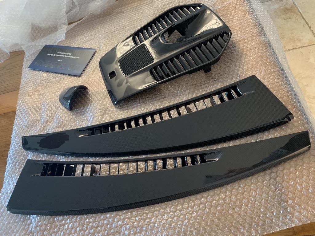 Tuto 991.2: Installation dessus tableau de bords, aerations et chrono pièce DBCarbon D5e4e610