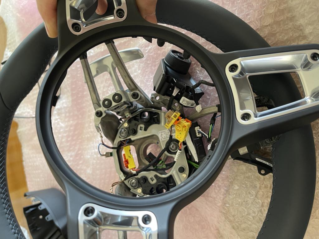 Tuto 991.2: customisation volant sport GT multifonctions PDK/Sport Chrono avec pièces DBCarbon E14f1710