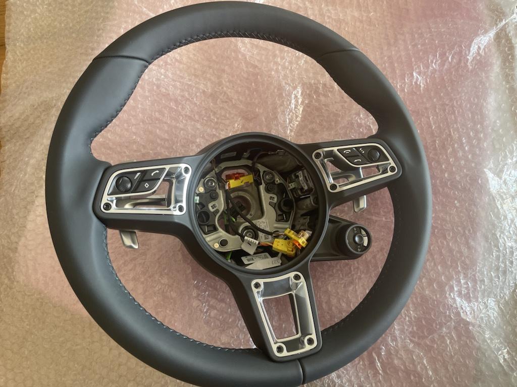 Tuto 991.2: customisation volant sport GT multifonctions PDK/Sport Chrono avec pièces DBCarbon Ecf27610