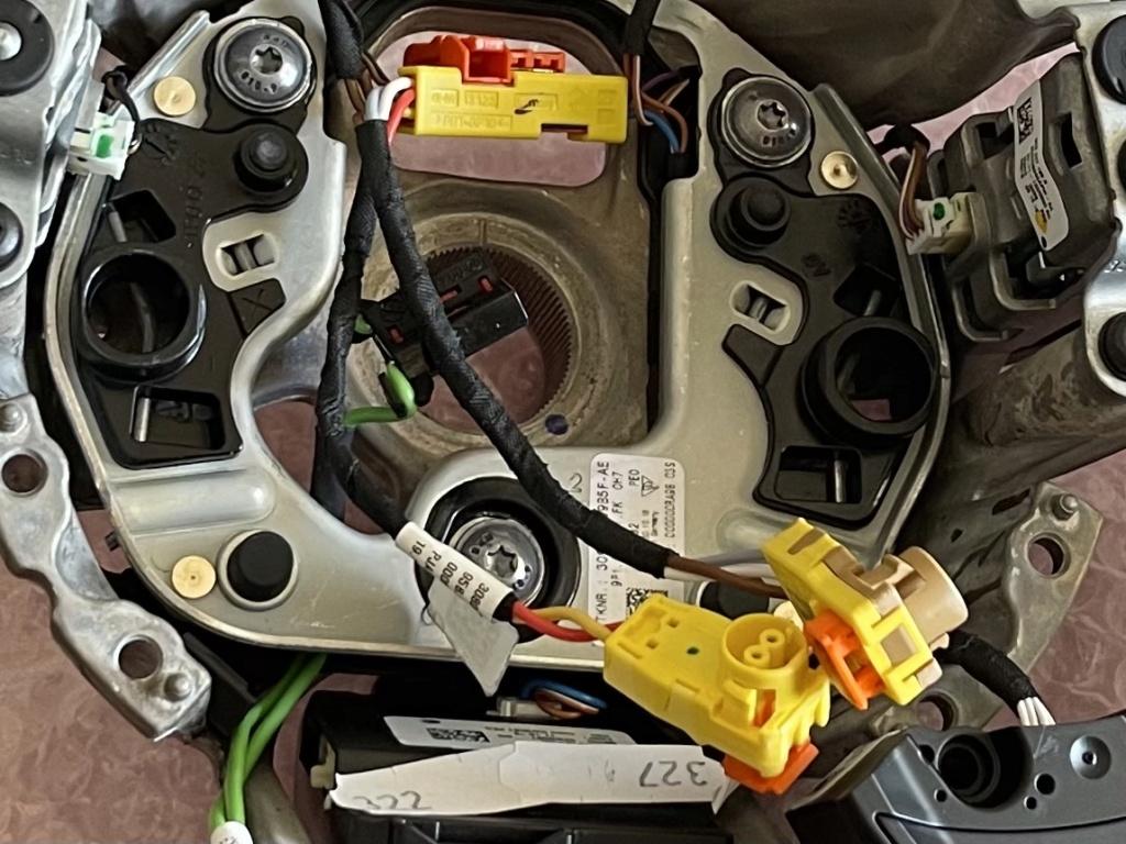Tuto 991.2: customisation volant sport GT multifonctions PDK/Sport Chrono avec pièces DBCarbon F07c9010
