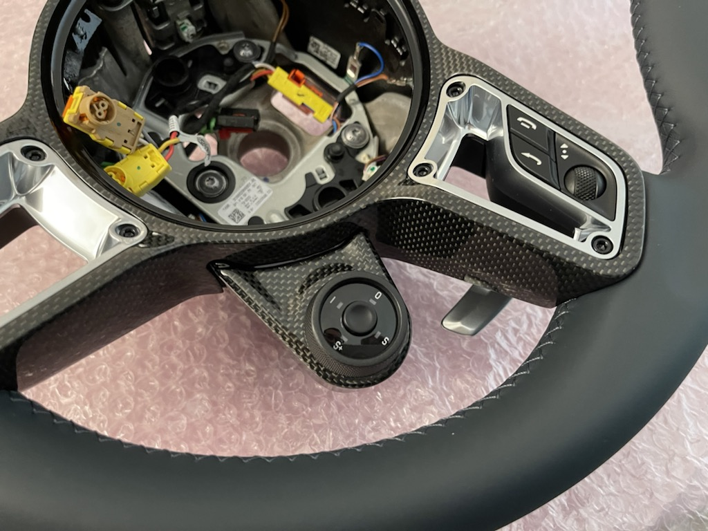 Tuto 991.2: customisation volant sport GT multifonctions PDK/Sport Chrono avec pièces DBCarbon Ffc38e10