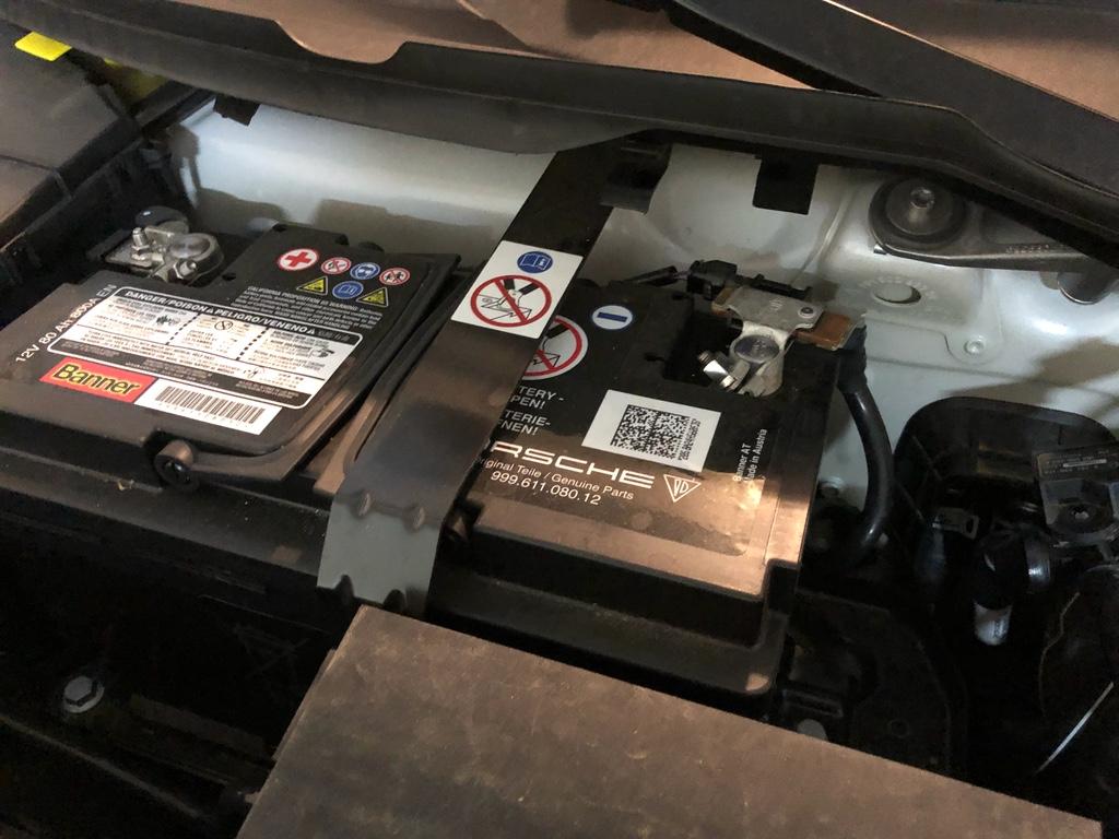 Tuto 991.2: installation commande vitres electriques conducteur par pièce DBCarbon Img_1611