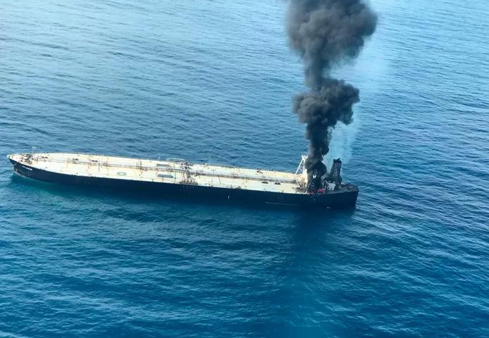 Explosion et incendie sur un pétrolier près du Sri Lanka 211
