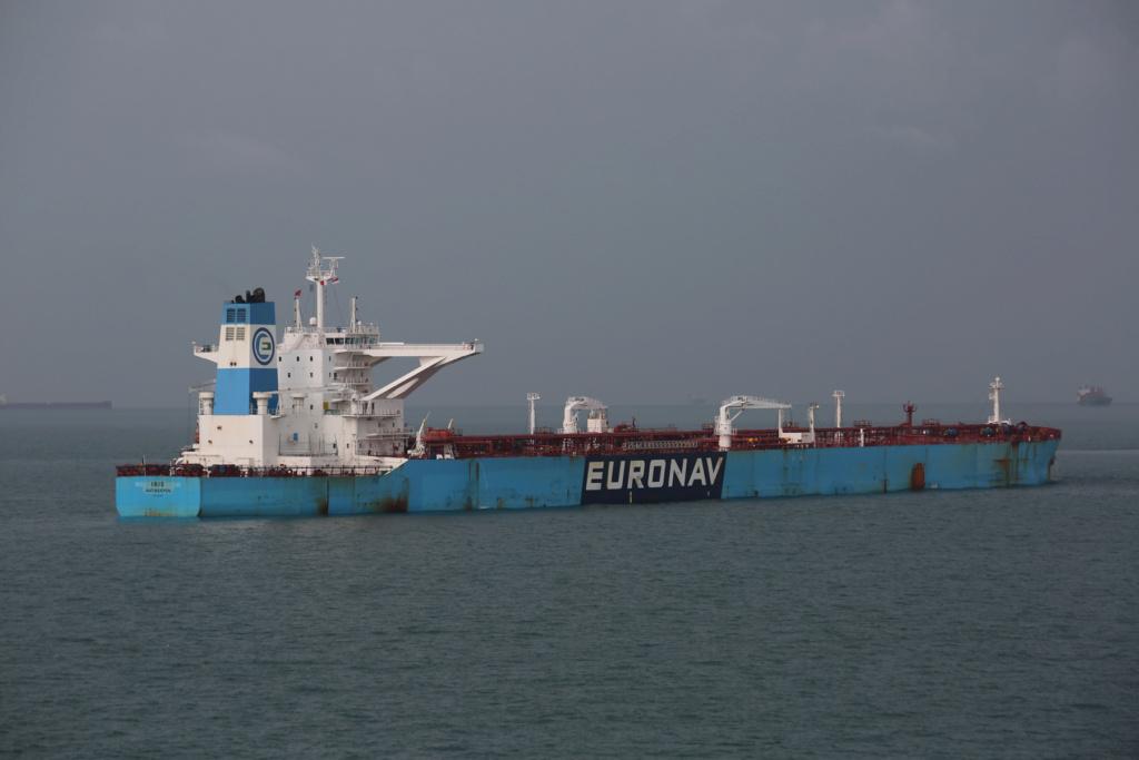 La flotte Euronav - Page 4 25536510