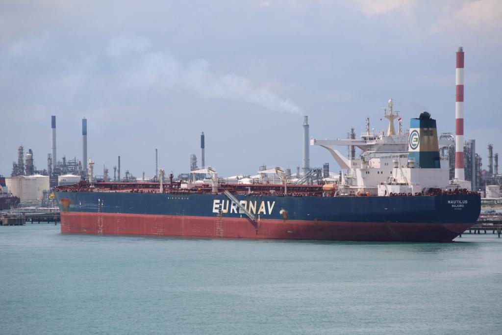 La flotte Euronav - Page 4 25617511