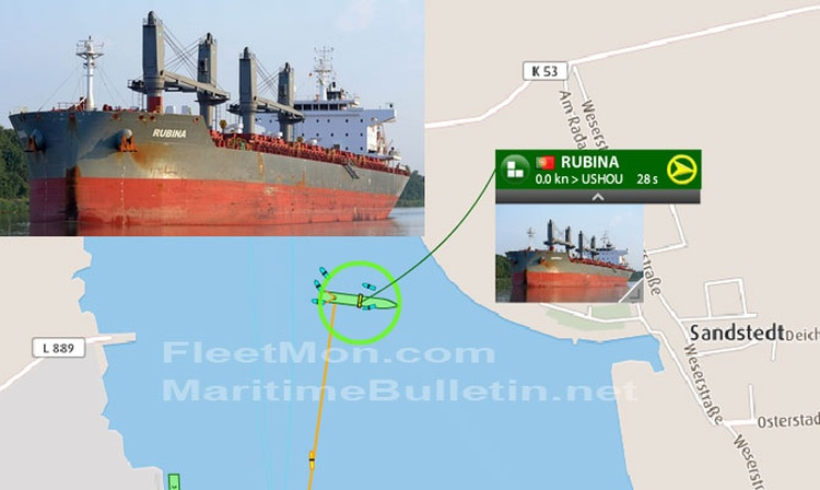 Bulk carrier with cargo of steel hard aground in Weser, Germ 2a5e0010