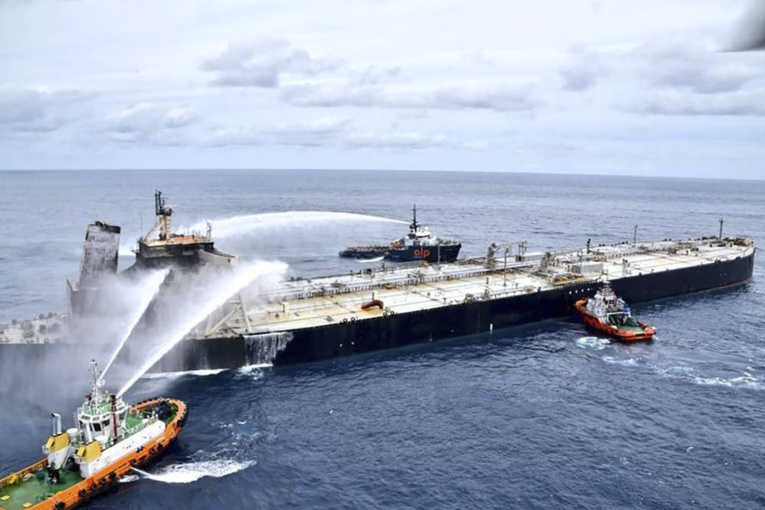 Explosion et incendie sur un pétrolier près du Sri Lanka - Page 2 49653510