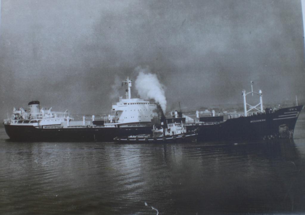 Photos Navires du monde construit entre 1950-1960 (7) Acciai13