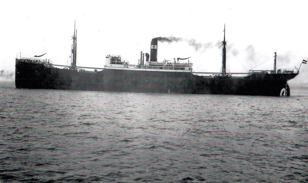 Photos General cargo avant 1940 (Plus 3000gt) 1  Adamst10