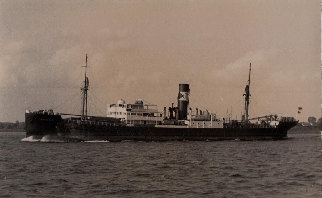 Photos General cargo avant 1940 (Plus 3000gt) 4 Adele_10