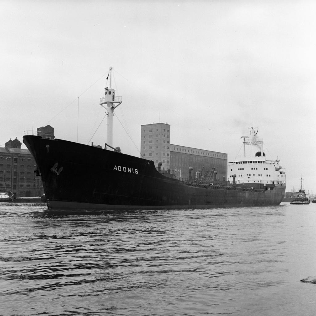 Photos Navires du monde construit entre 1950-1960 (1) Adonis10