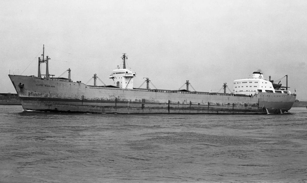Photos Navires du monde construit entre 1950-1960 (5) Aghios10