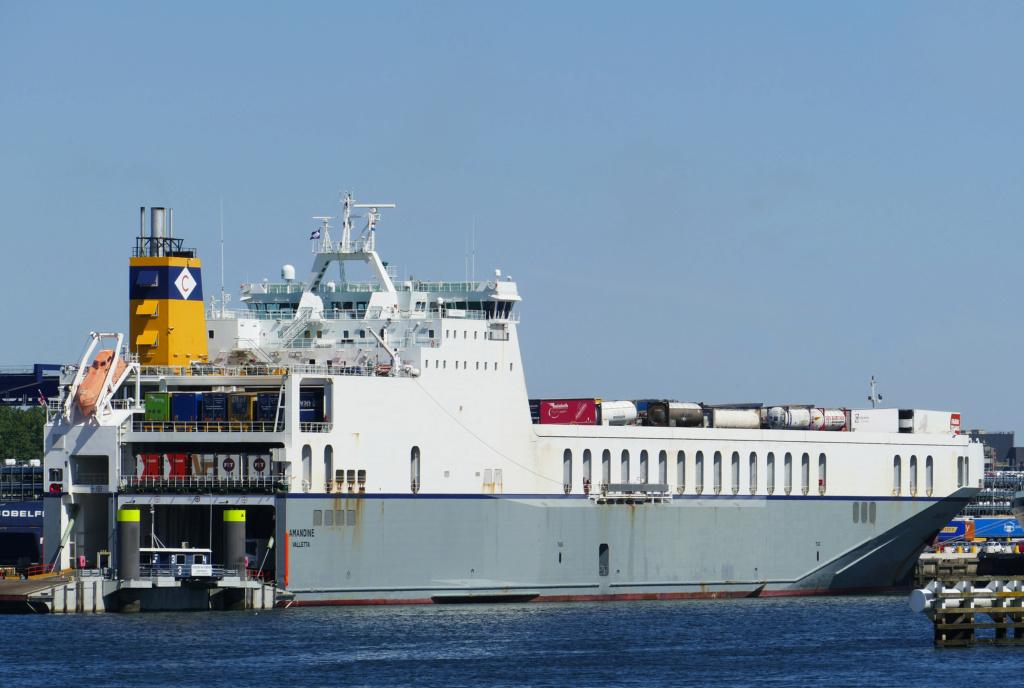 Photos de navires Luxembourgeois Armateur enregr Belgique A Amandi10