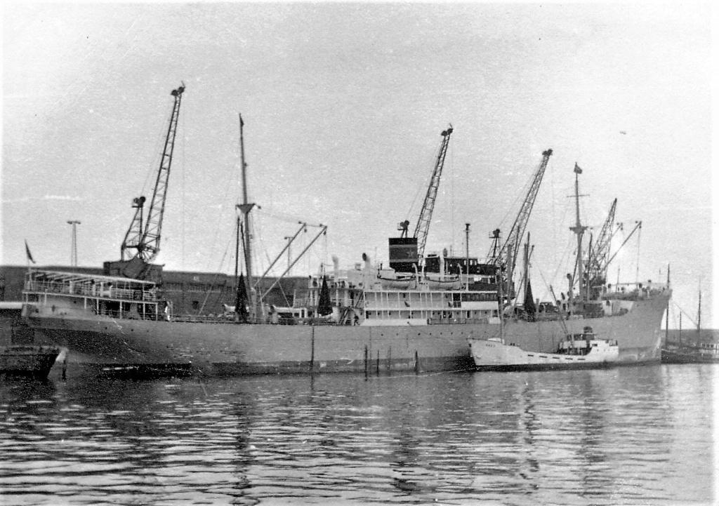 Photos General cargo avant 1940 (Plus 3000gt) 5  Axel_j10