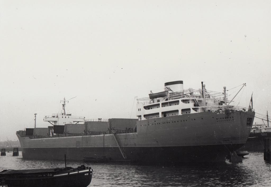 Photos Navires du monde construit entre 1950-1960 (2) Biskop10