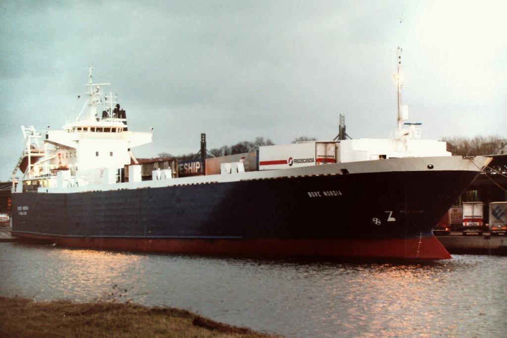 Photos de navires Luxembourgeois Armateur enre Belgique B 1 Bore_n10