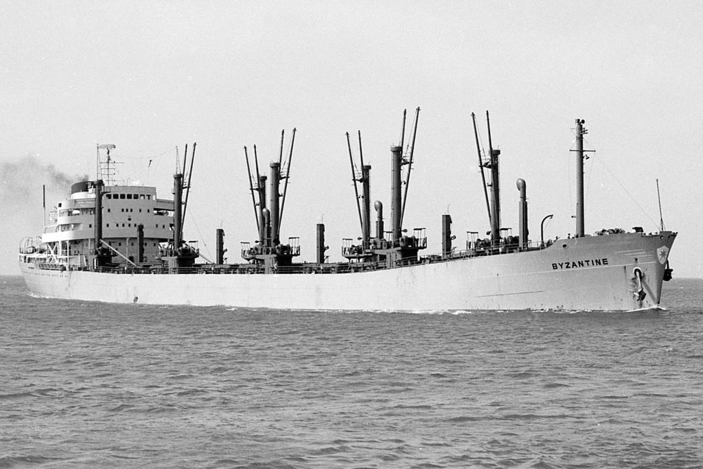 Photos Navires du monde construit entre 1950-1960 (6) Byzant11