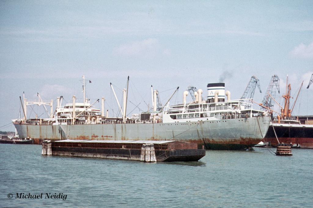 Photos Navires du monde construit entre 1950-1960 (7) Cape_d11