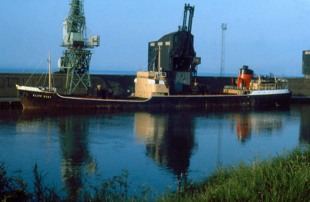Photos Navires du monde construit entre 1950-1960 (1) Cliff_10