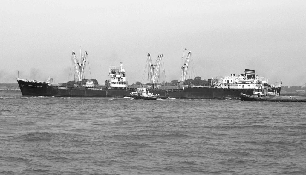 Photos Navires du monde construit entre 1950-1960 (2) Crysta13