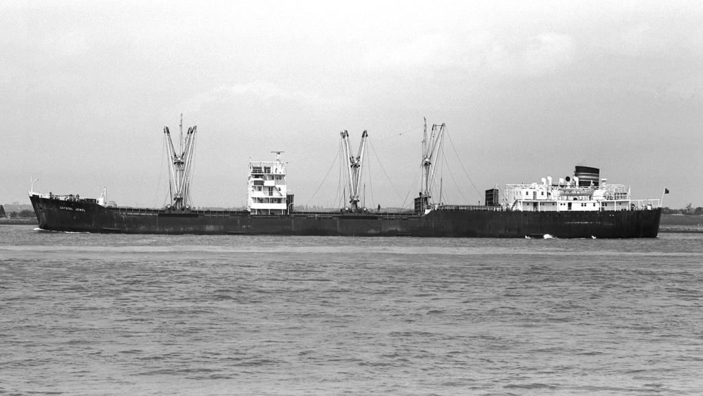 Photos Navires du monde construit entre 1950-1960 (2) Crysta15