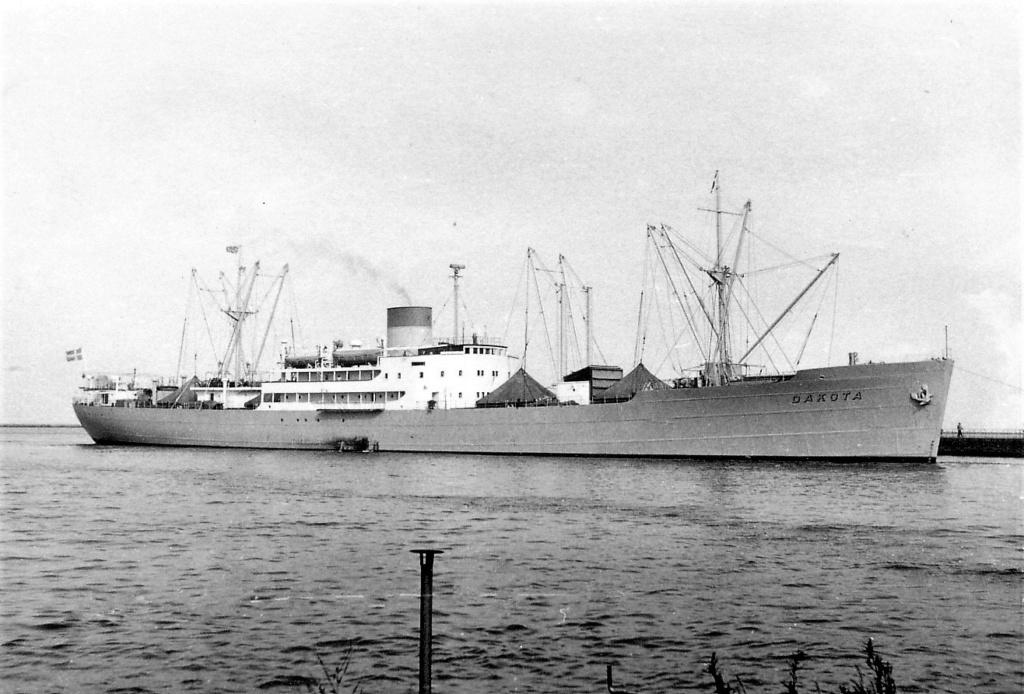 Photos General cargo avant 1940 (Plus 3000gt) 4 Dakota10