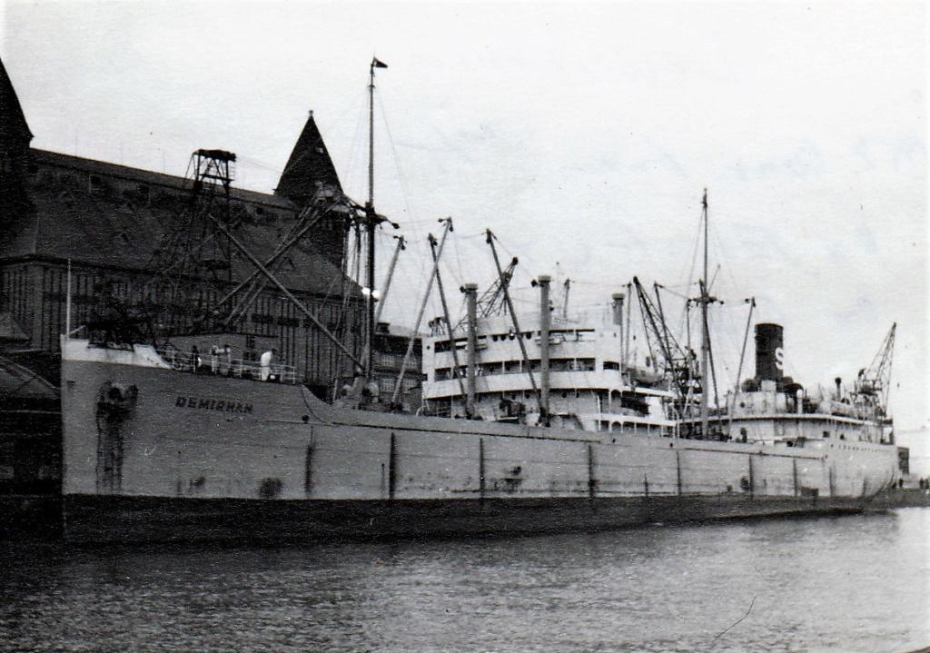 Photos General cargo avant 1940 (Plus 3000gt) 4 Demirh10