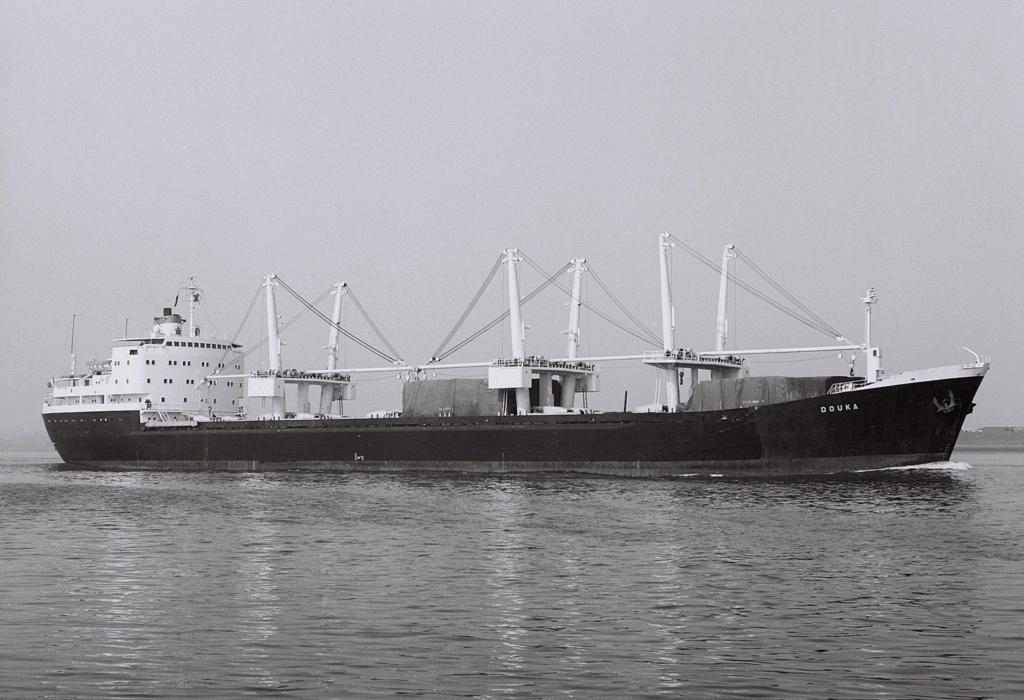 Photos Navires du monde construit entre 1950-1960 (7) Douka_10