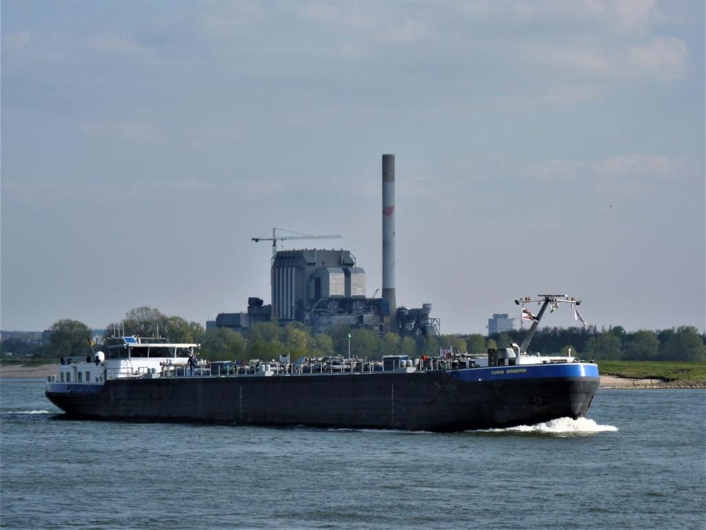 Photos des Navires Belge de la marchande,Fluviale et Pêche 1 Floria10