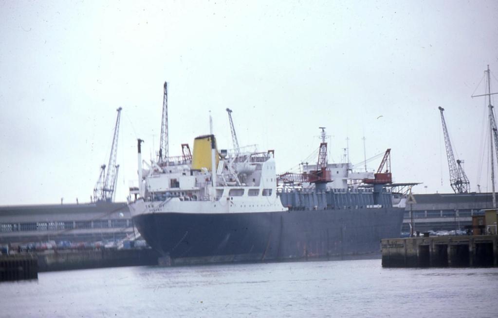 Photos Navires du monde construit entre 1950-1960 (7) Fsb-0110