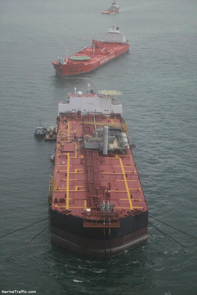 FSO NABARIMA with 173,000 tons of oil on board suffering wat Fso_na10
