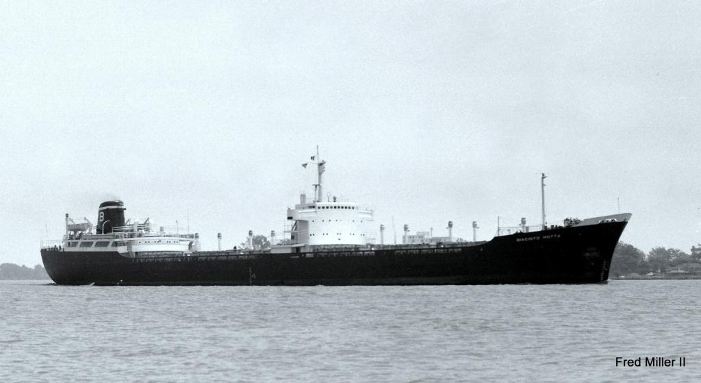 Photos Navires du monde construit entre 1950-1960 (6) Giacin10