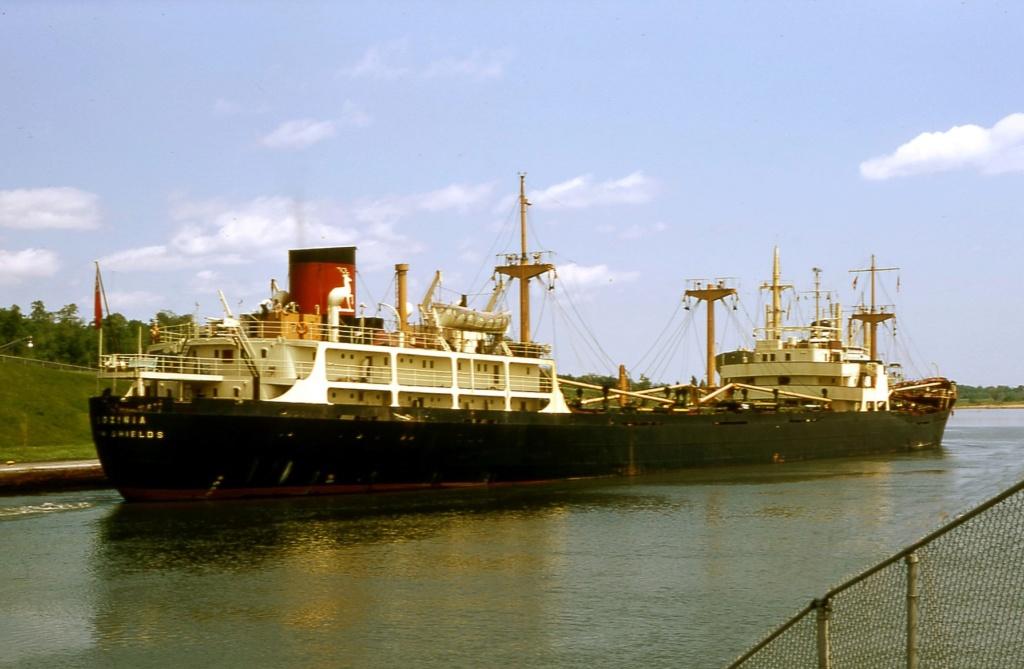 Photos Navires du monde construit entre 1950-1960 (6) Gloxin11