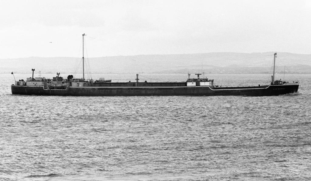 Photos Navires du monde construit entre 1950-1960 (2) Harry_10