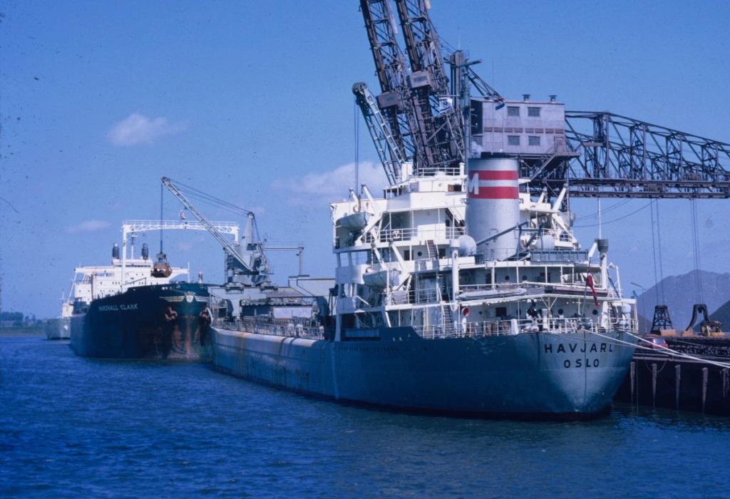 Photos Navires du monde construit entre 1950-1960 (3) Havjar10