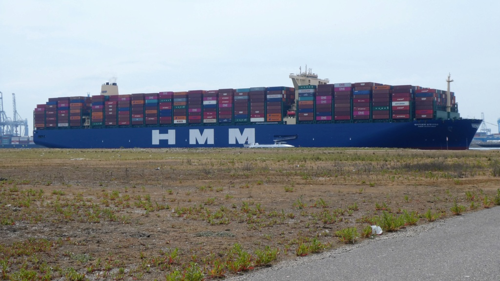 Le plus grand porte-conteneurs du monde en route pour ANVERS Hmm_al11