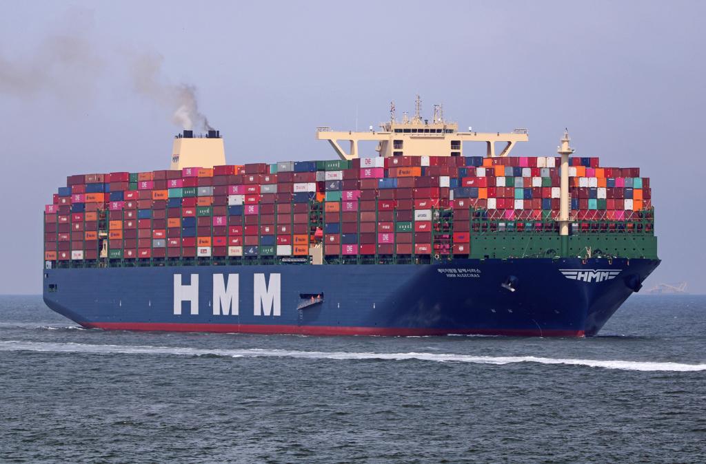 Le plus grand porte-conteneurs du monde en route pour ANVERS Hmm_al12