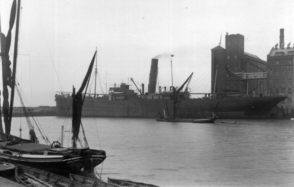 Photos General cargo avant 1940 (Plus 3000gt) 22 Hostil10