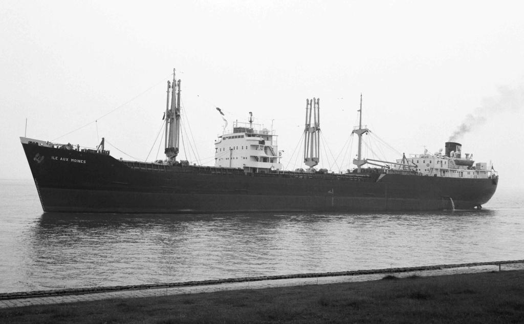 Photos Navires du monde construit entre 1950-1960 (1) Ile_au10