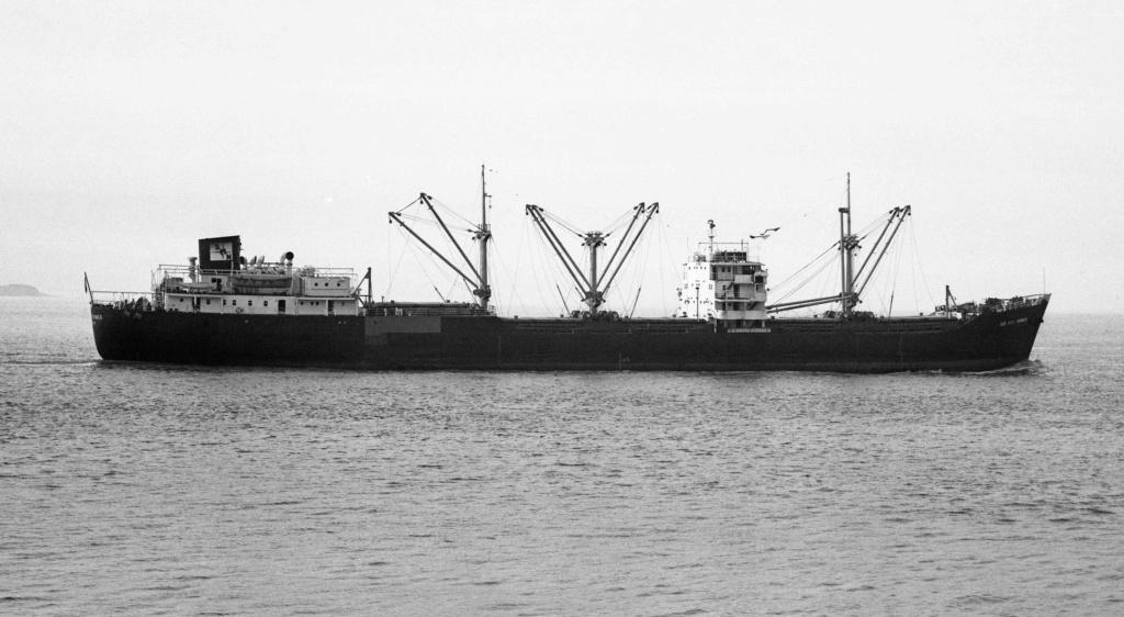 Photos Navires du monde construit entre 1950-1960 (2) Ile_au11