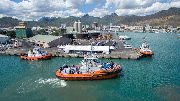 Embarquons à bord de la Mauritius Ports Authority Image210
