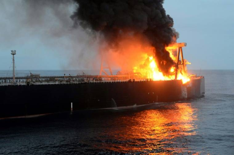 Explosion et incendie sur un pétrolier près du Sri Lanka Incend13