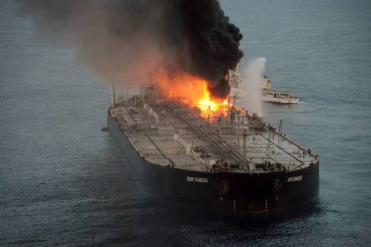 Explosion et incendie sur un pétrolier près du Sri Lanka Incend14