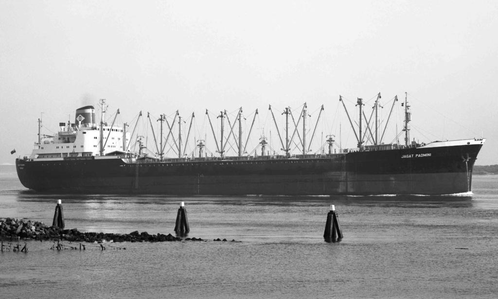 Photos Navires du monde construit entre 1950-1960 (1) Jagat_10