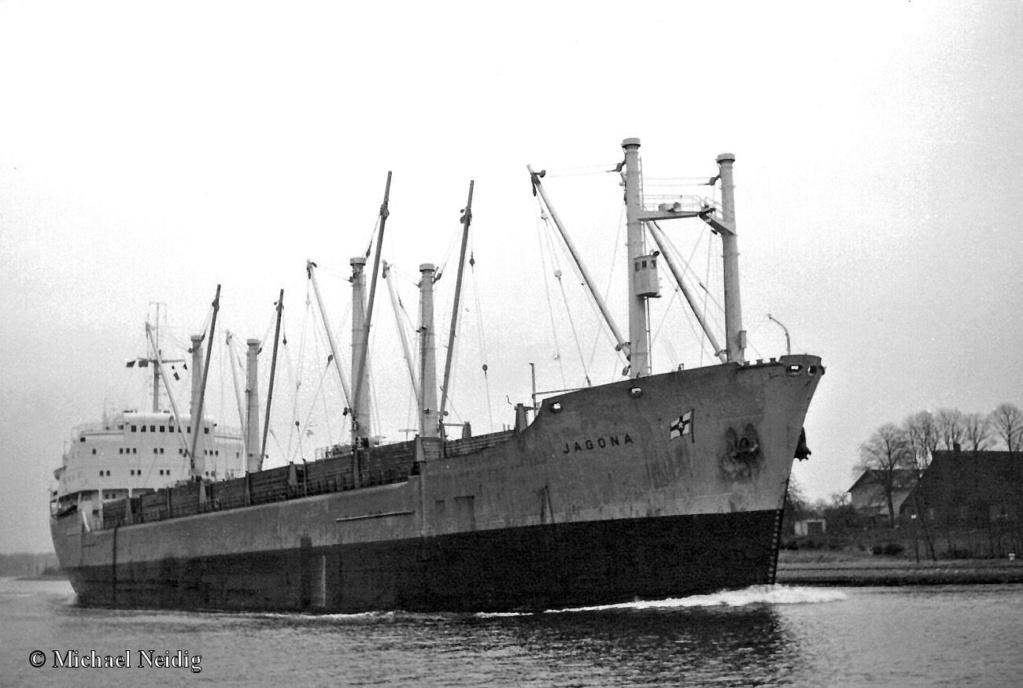 Photos Navires du monde construit entre 1950-1960 (7) Jagona10